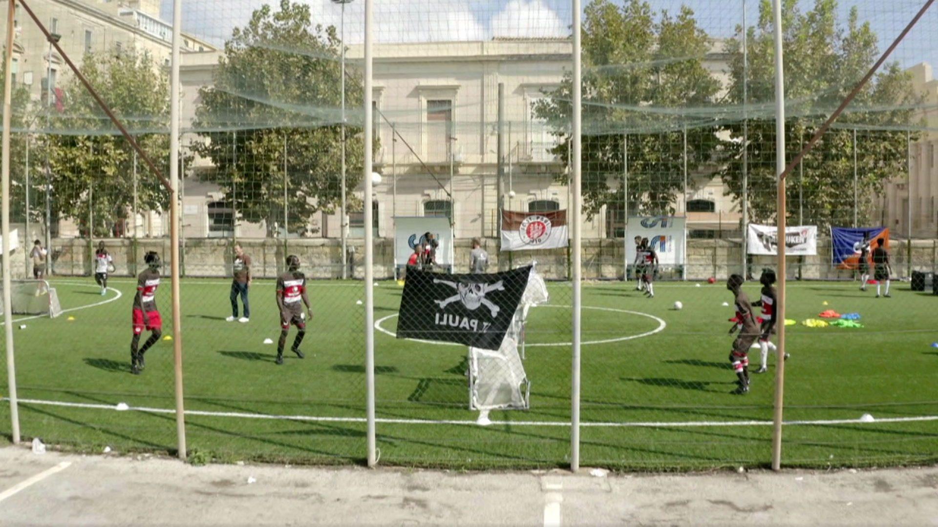 St. Pauli veranstaltet Trainingscamp für Flüchtlinge auf Sizilien