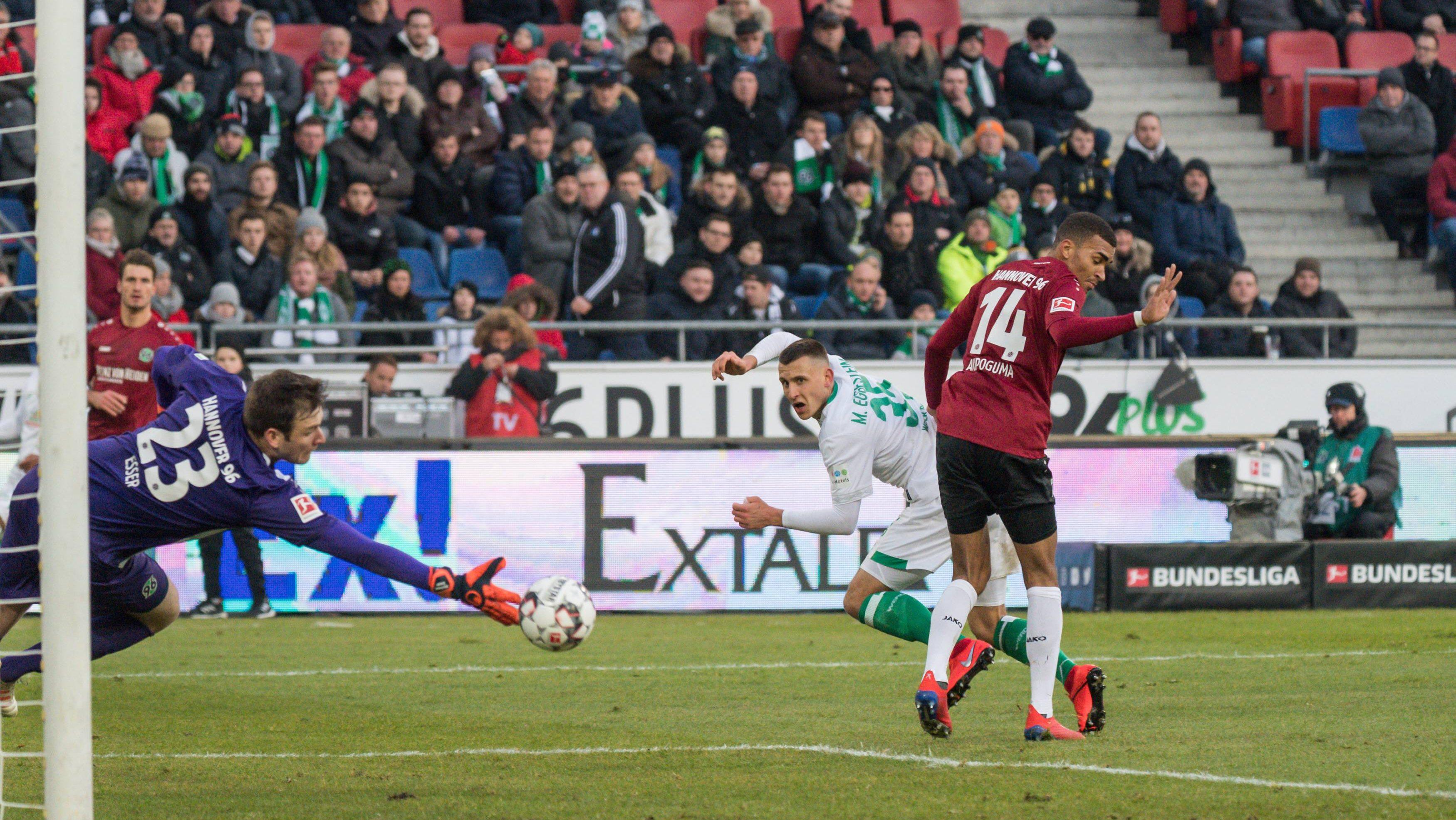 Hannover-Keeper Esser stellt Bundesliga-Rekord ein