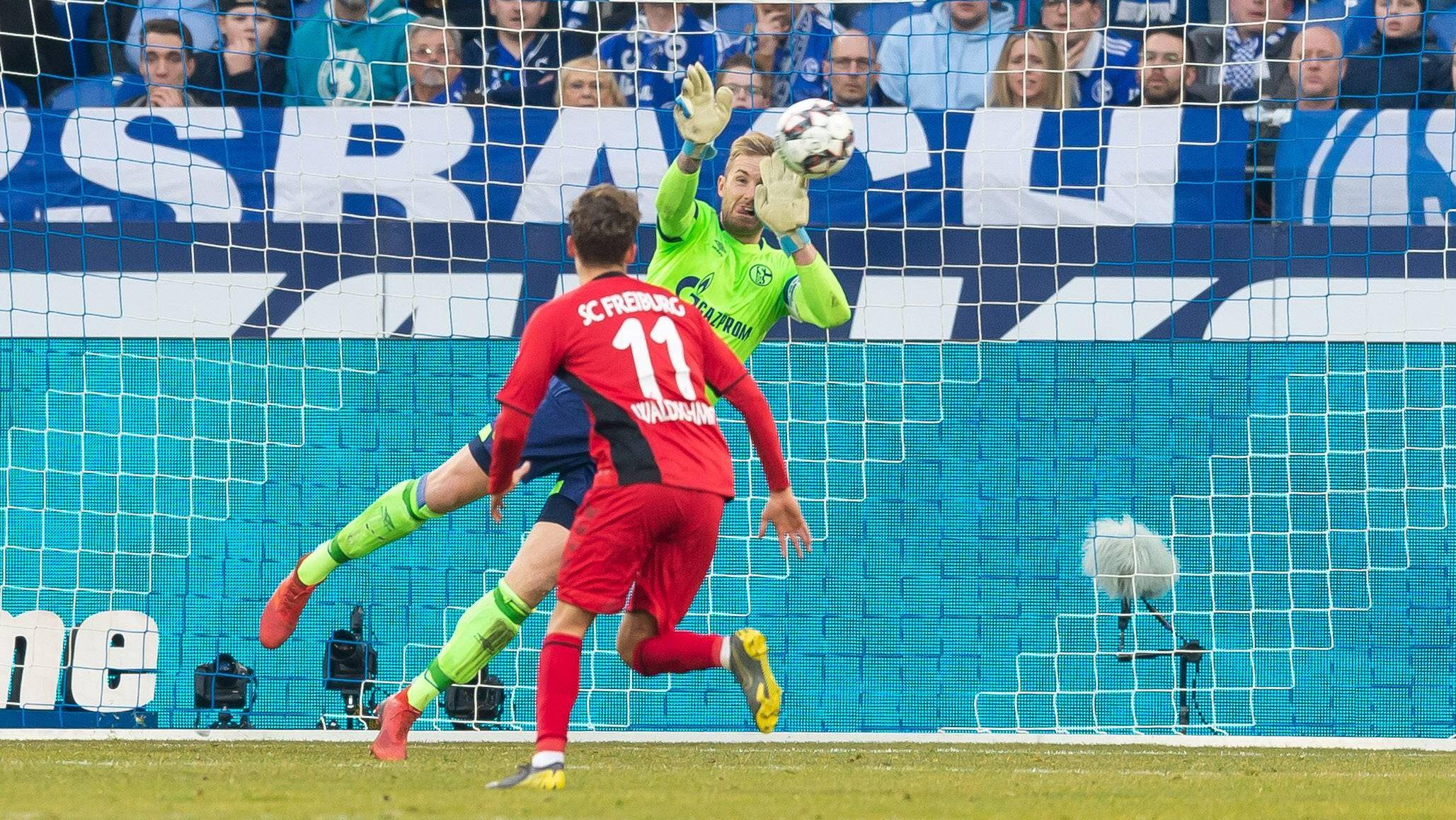 Zwei Platzverweise, kein Tor bei Schalke-Freiburg
