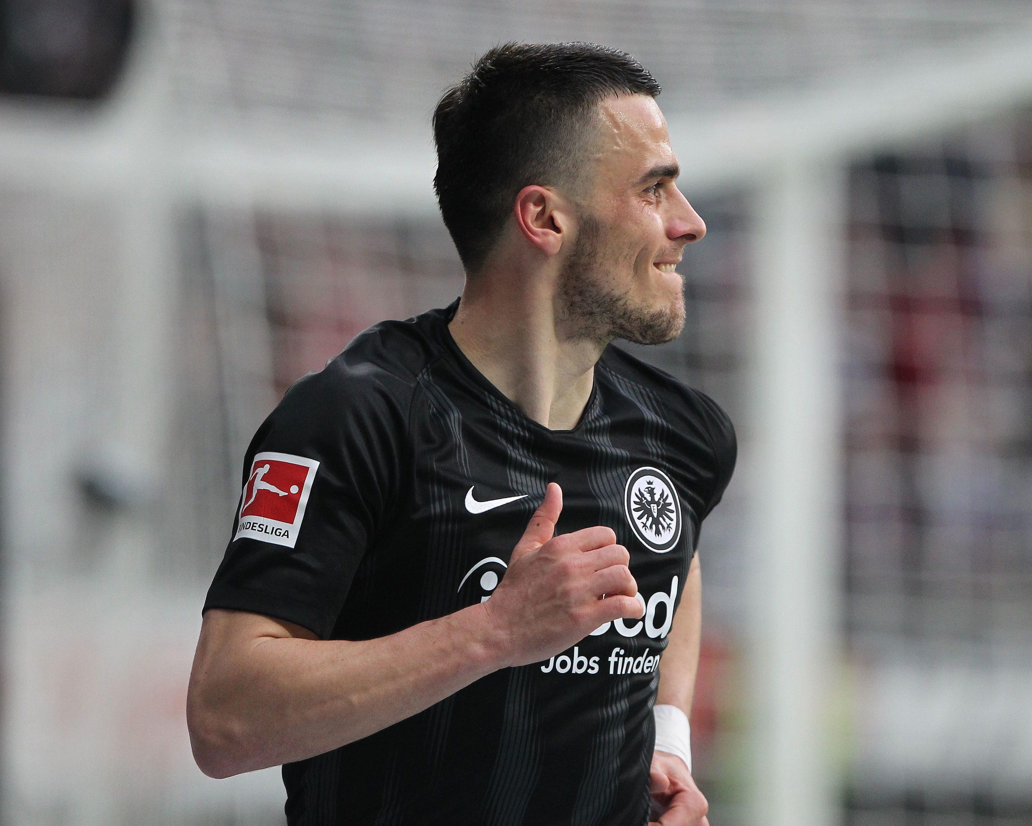 Bundesliga | Eintracht Frankfurt zieht die Kaufoption bei Filip Kostic