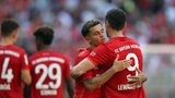 Lewandowski the perfect team-mate after penalty gesture to Coutinho