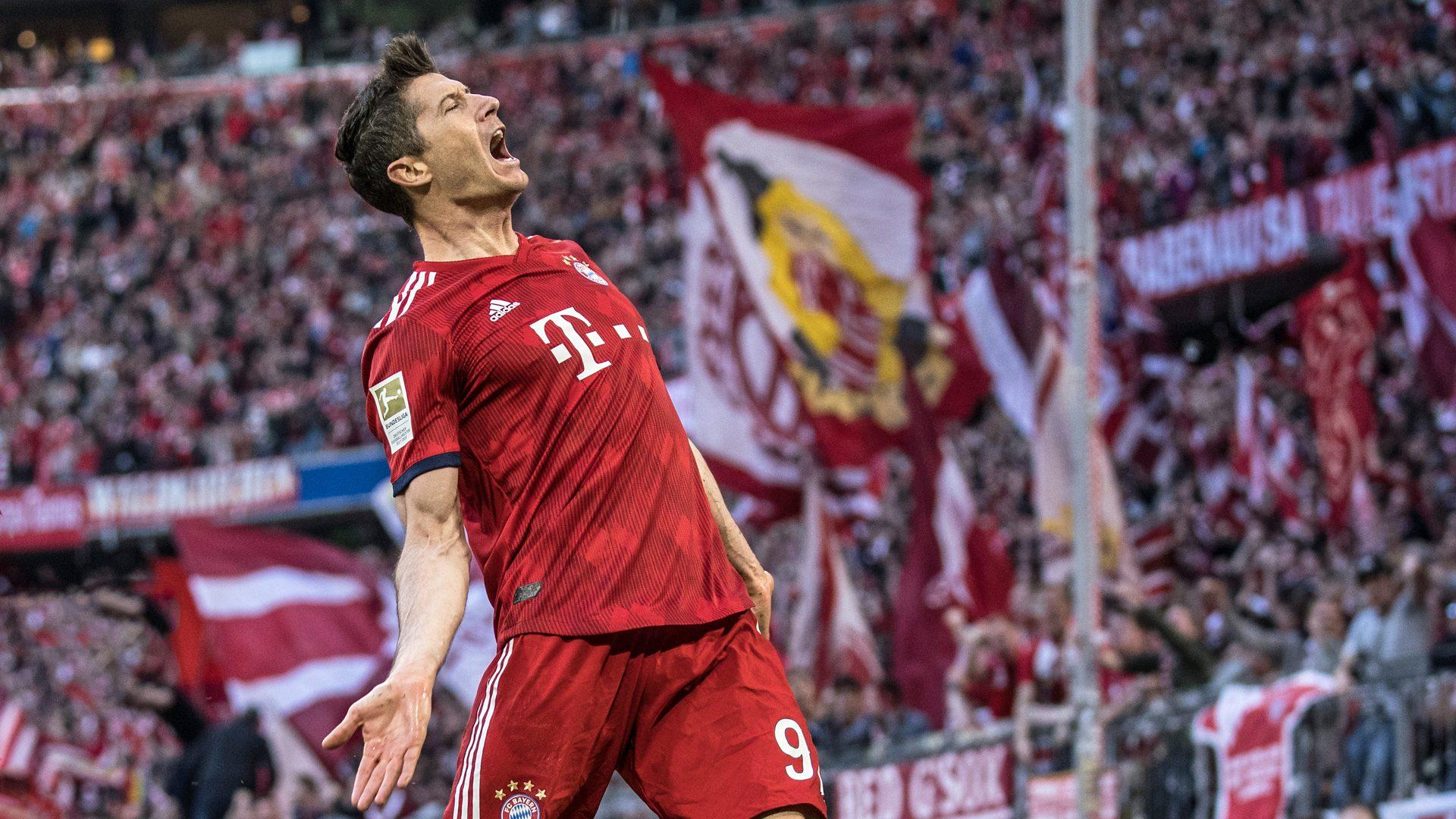 Is Robert Lewandowski the best striker in the world?