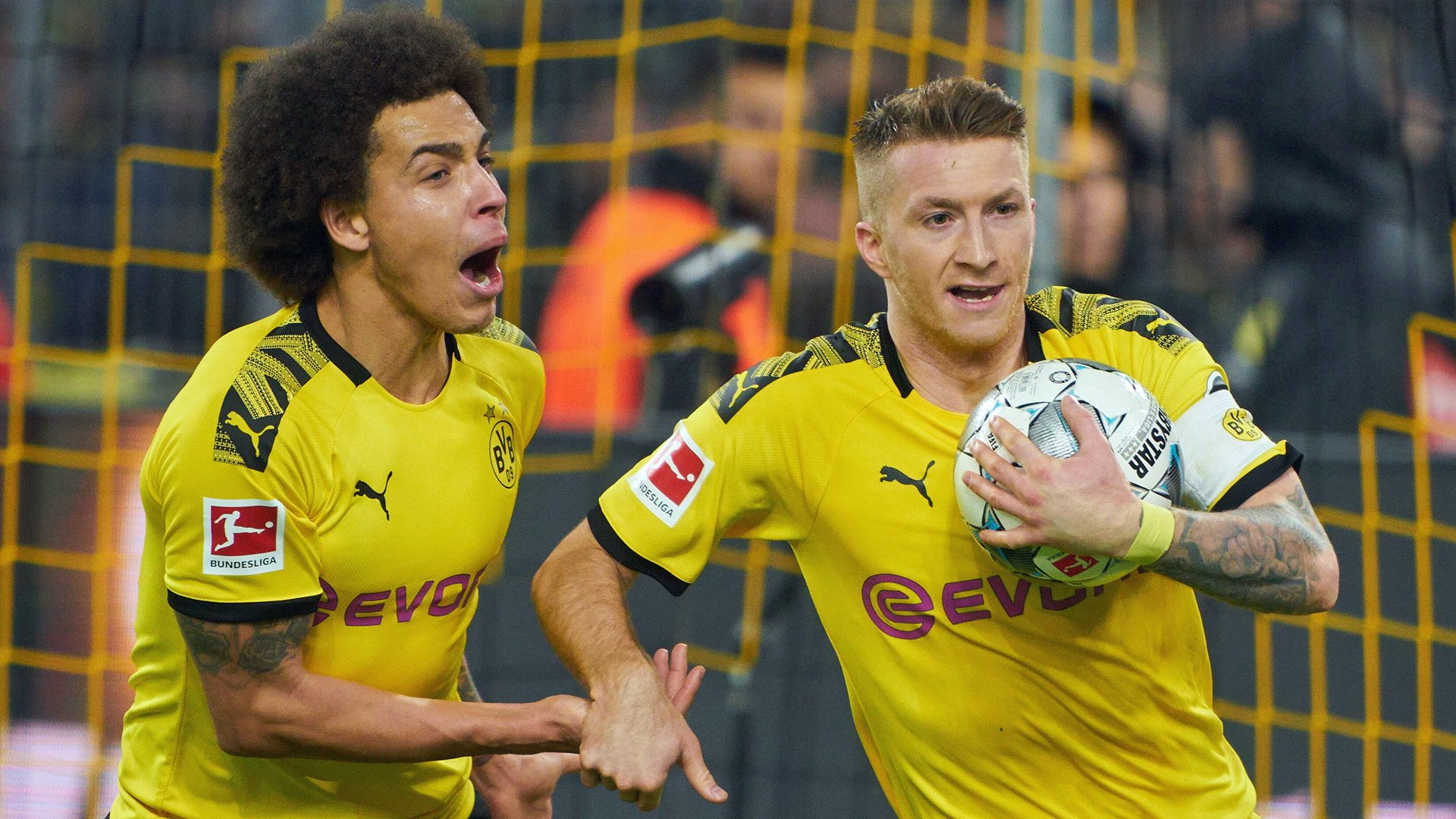 Bundesliga Marco Reus Strikes Late As Borussia Dortmund