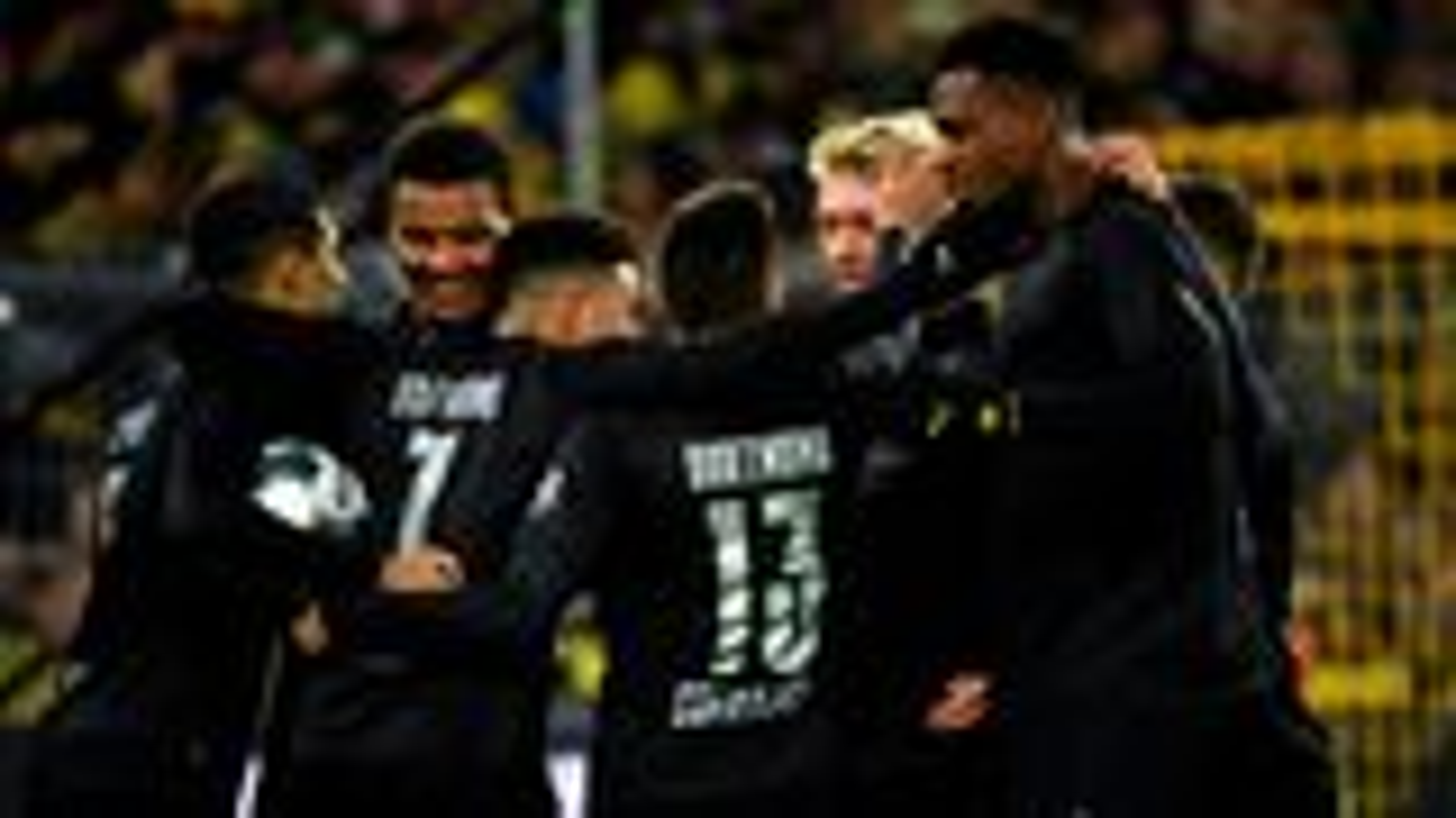Five-star Dortmund dismantle Düsseldorf