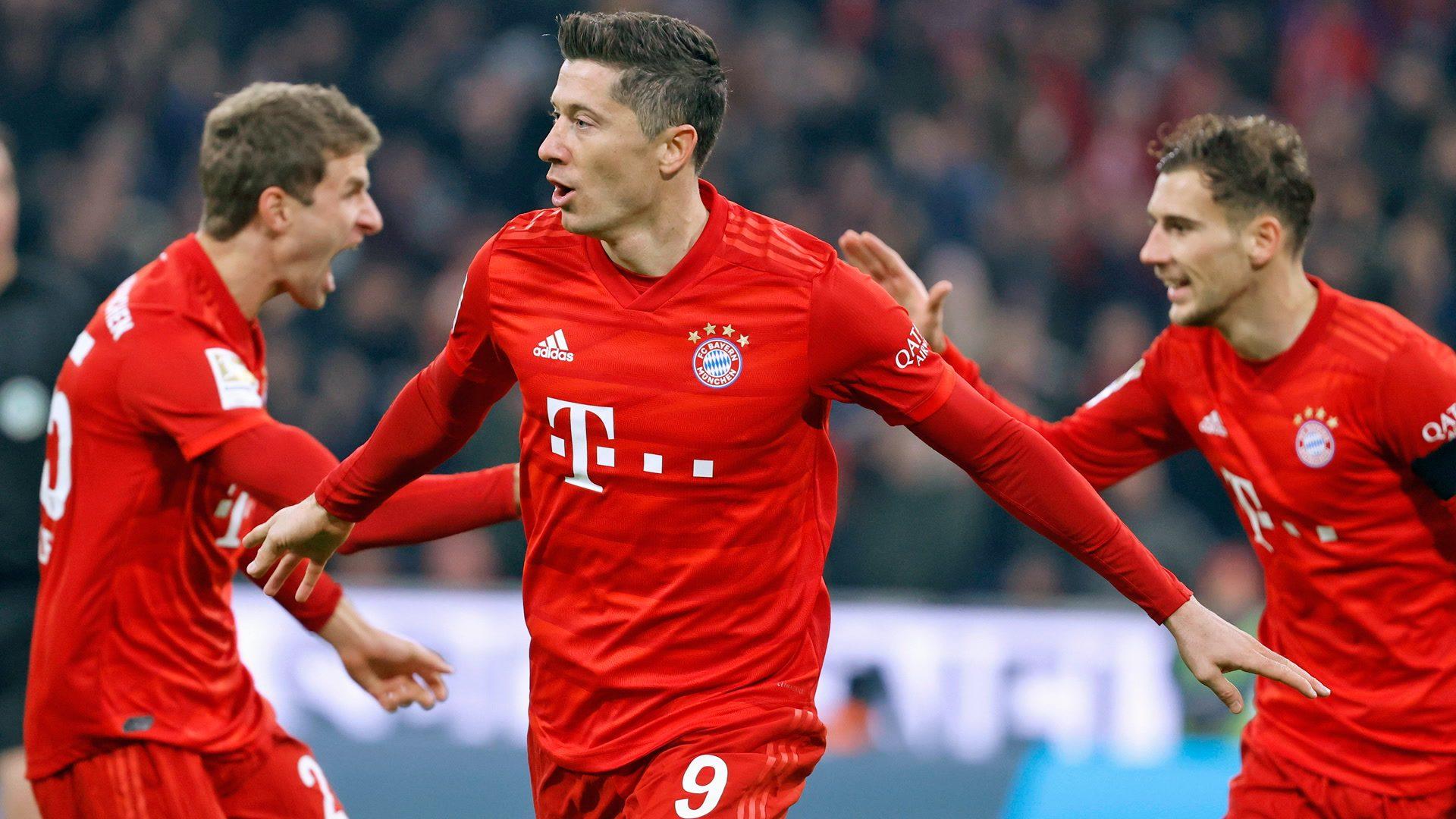 Bundesliga | Robert Lewandowski leads five-star Bayern Munich to win over  Schalke