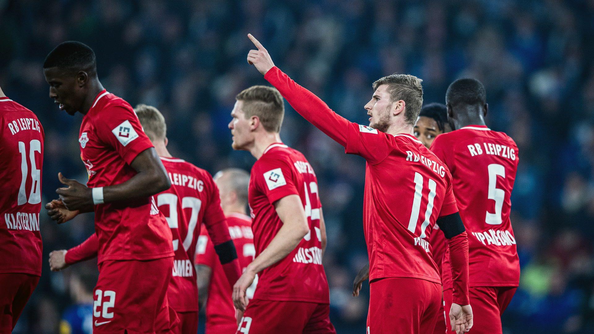 Werner back among the goals as Leipzig thrash Schalke