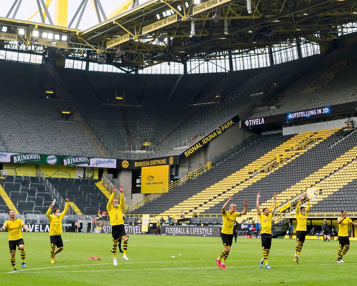 Bundesliga Borussia Dortmund Celebrate With Absent Fans After Dominant Schalke Win