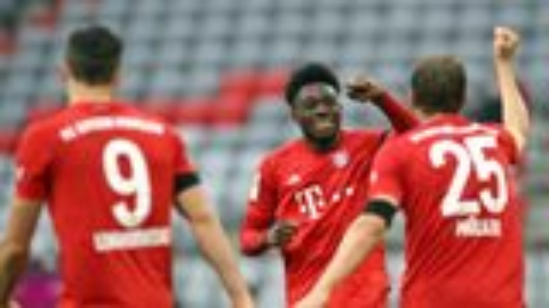 Five-star Bayern thrash Frankfurt to restore four-point lead
