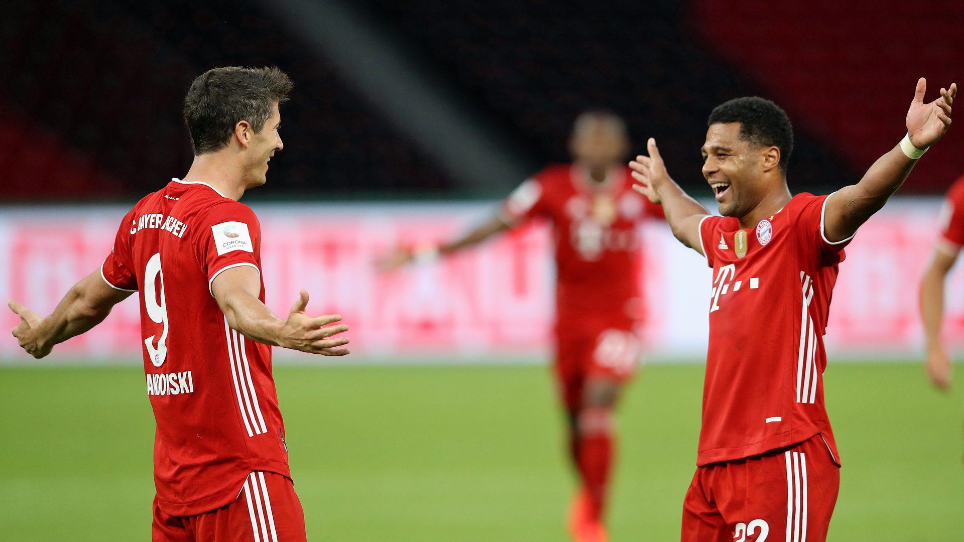 Lewandowski brace seals Bayern's double