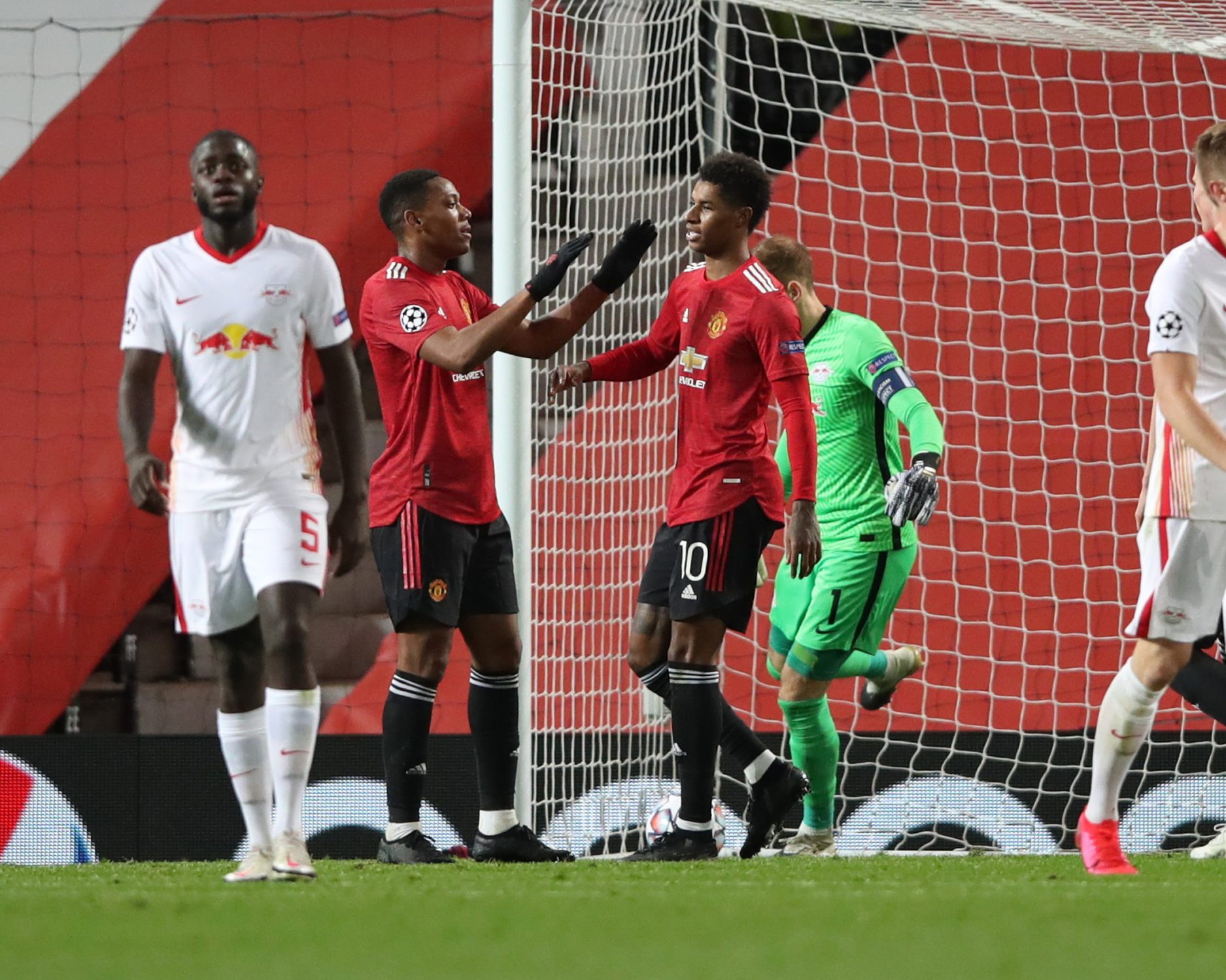Bundesliga Marcus Rashford Hat Trick Sees Rb Leipzig Beaten By Manchester United
