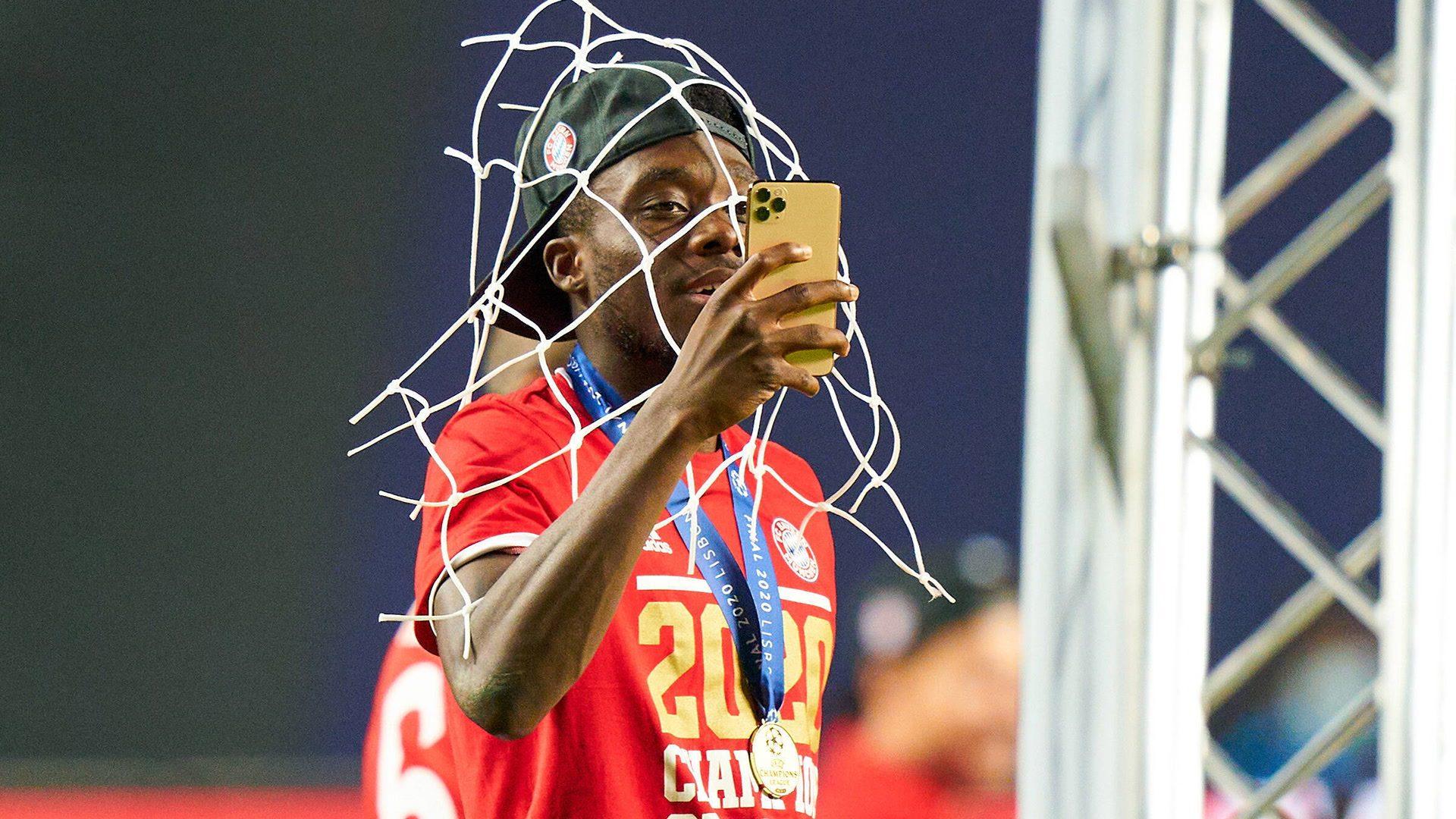FC Bayern: Davies ist Superstar in zwei Welten