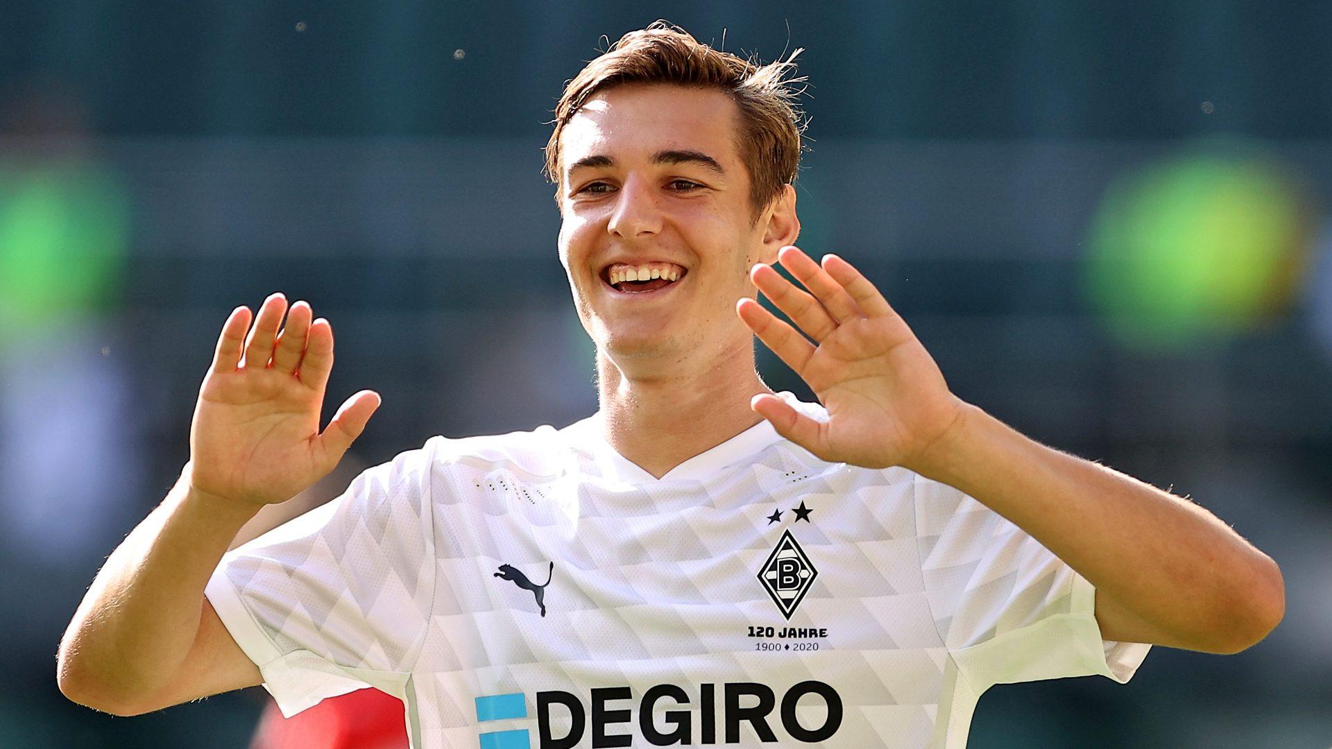 Bundesliga | Florian Neuhaus on his journey to Borussia Mönchengladbach,  dreaming of playing for Germany and scoring long-range goals