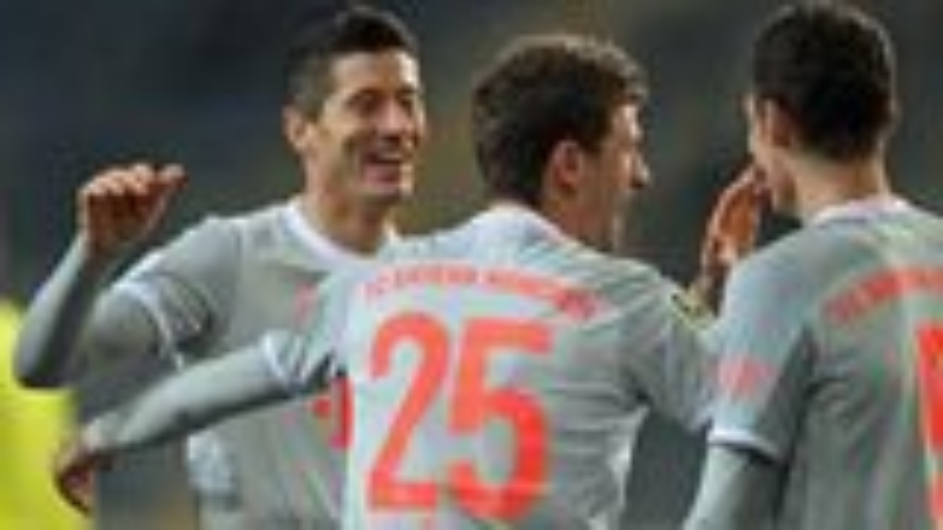Lewandowski and Müller at the double as Bayern beat Bielefeld