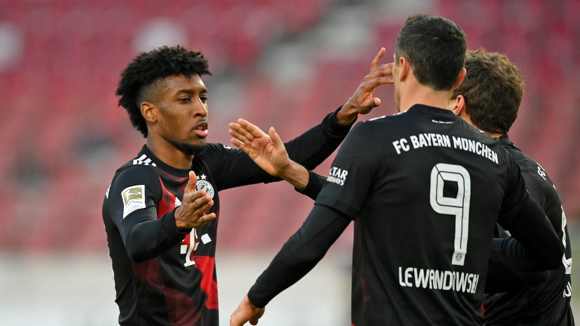 Bundesliga | Robert Lewandowski hits stunner as Bayern Munich come from  behind to beat VfB Stuttgart