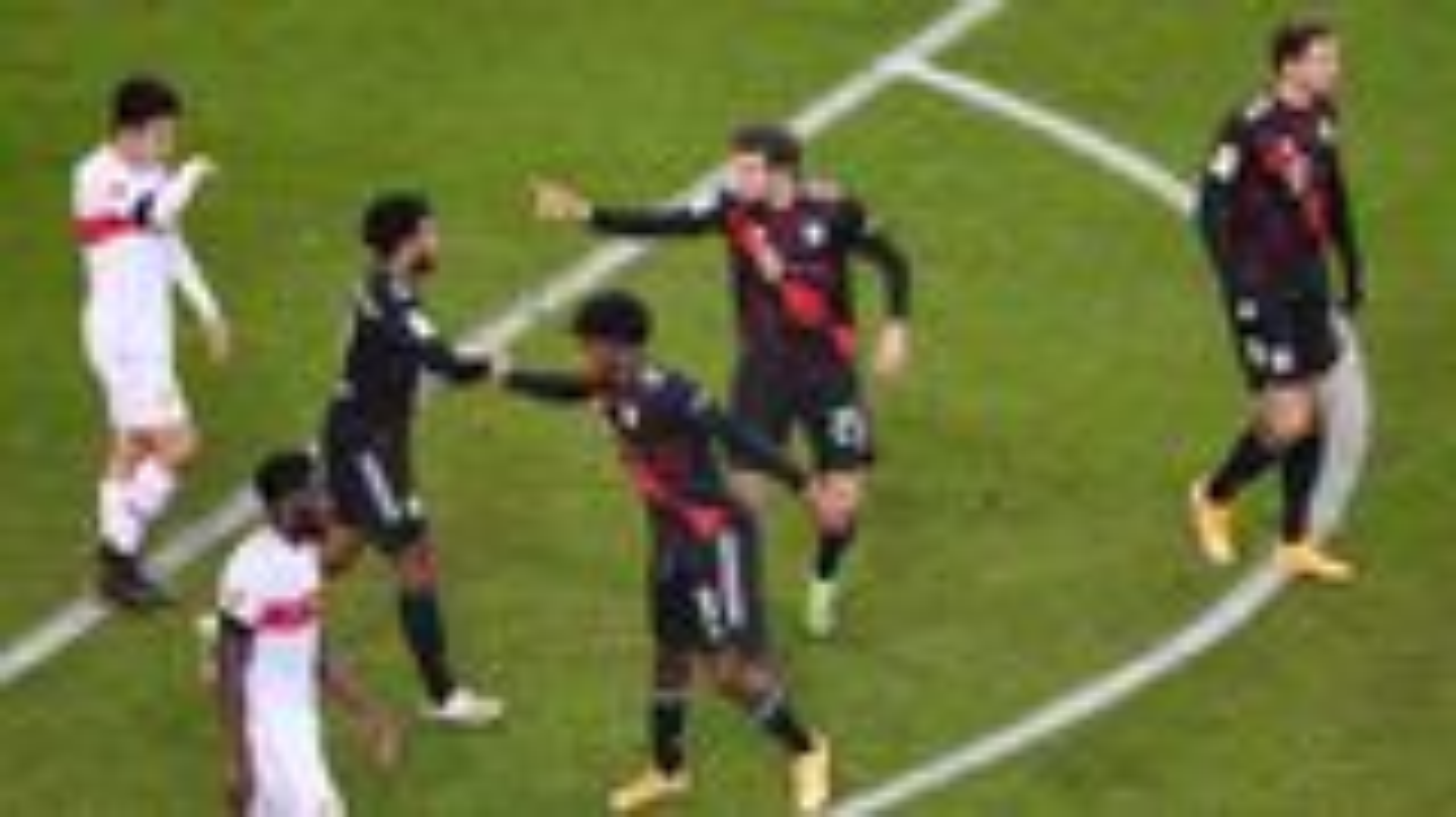 FC Bayern erleichtert nach wichtigem Arbeitssieg