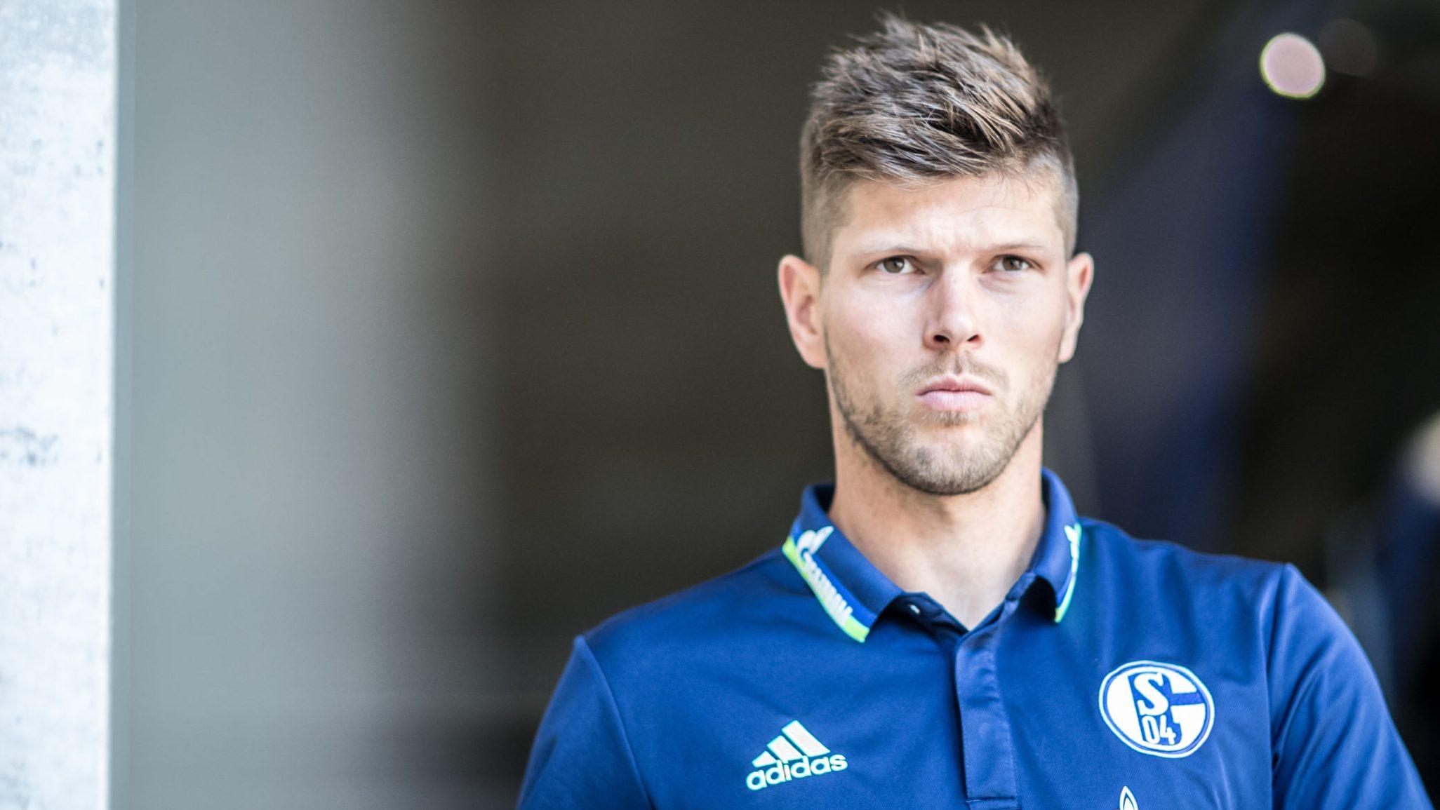 Huntelaar returns to Schalke from Ajax