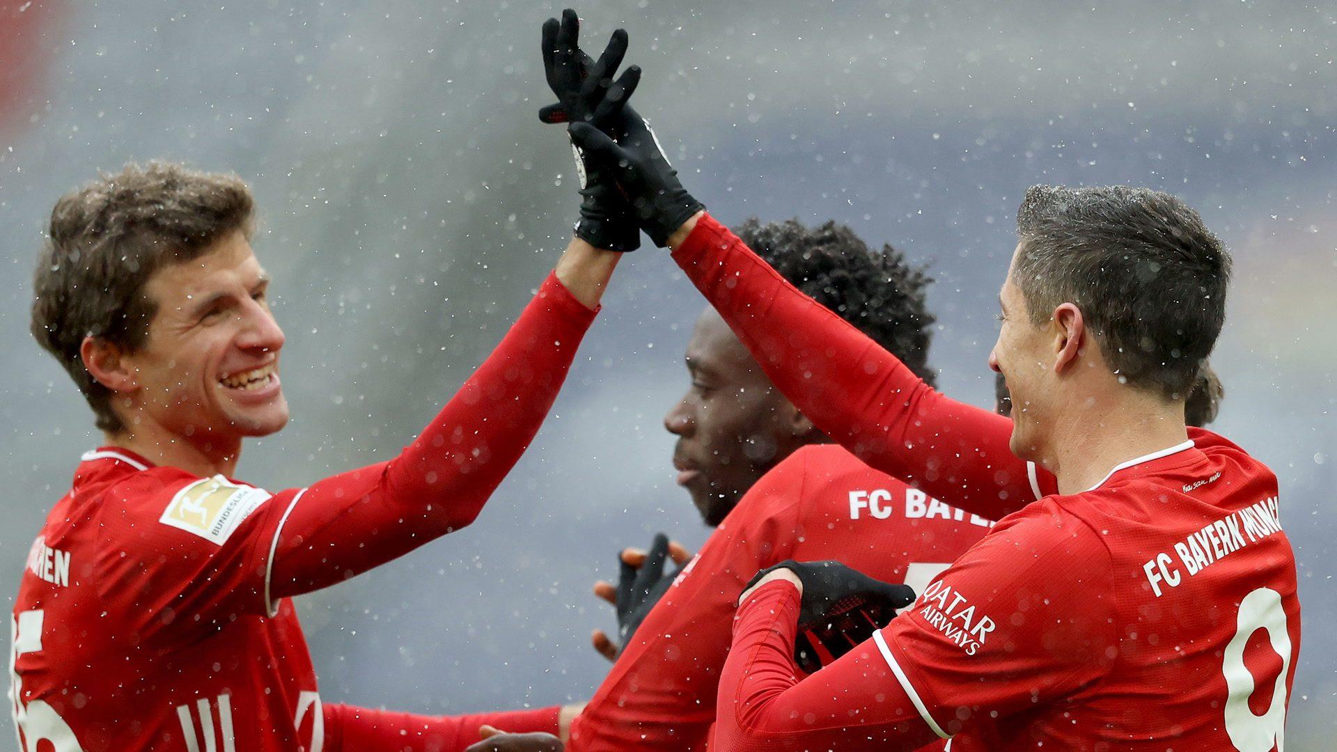 Bundesliga | Thomas Müller and Robert Lewandowski see Bayern Munich past  fighting Freiburg