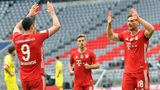Lewandowski at the double as Bayern cement top spot