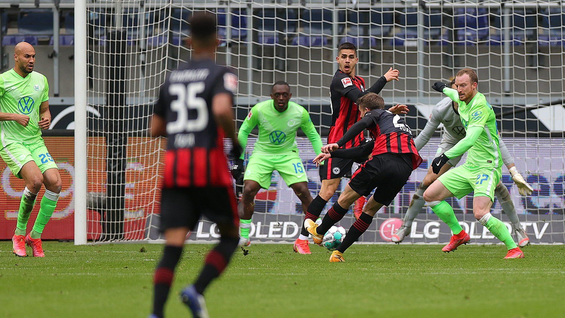 4:3! Frankfurt gewinnt Spektakel gegen Wolfsburg