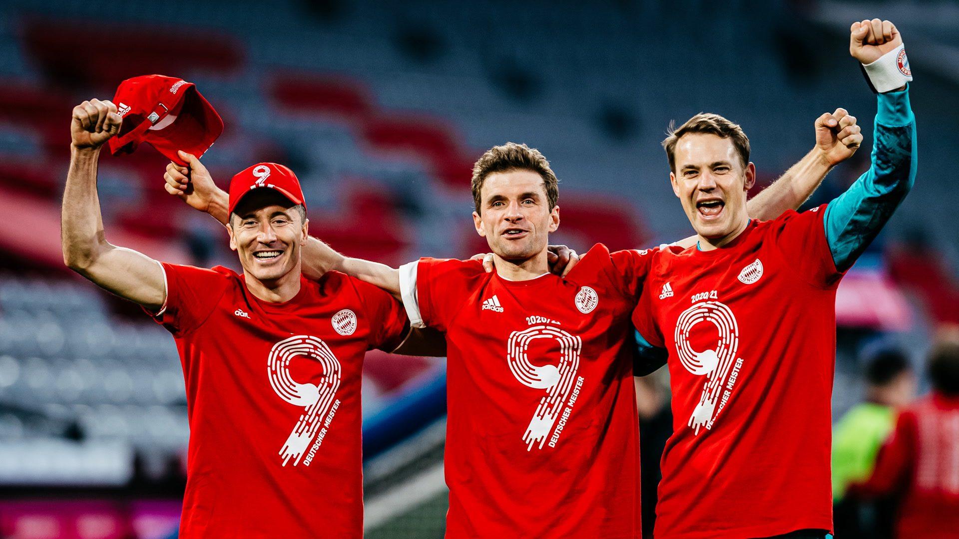 Bayern celebrate title with superb Gladbach win