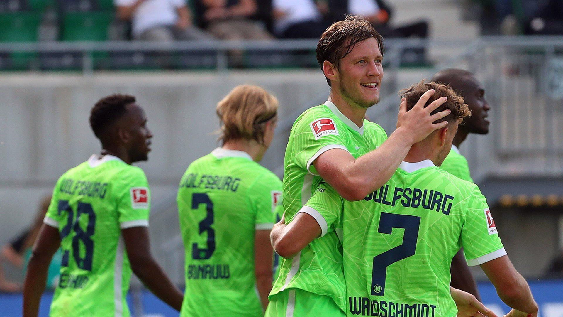 Nmecha and Weghorst keep perfect Wolfsburg top with win at Fürth