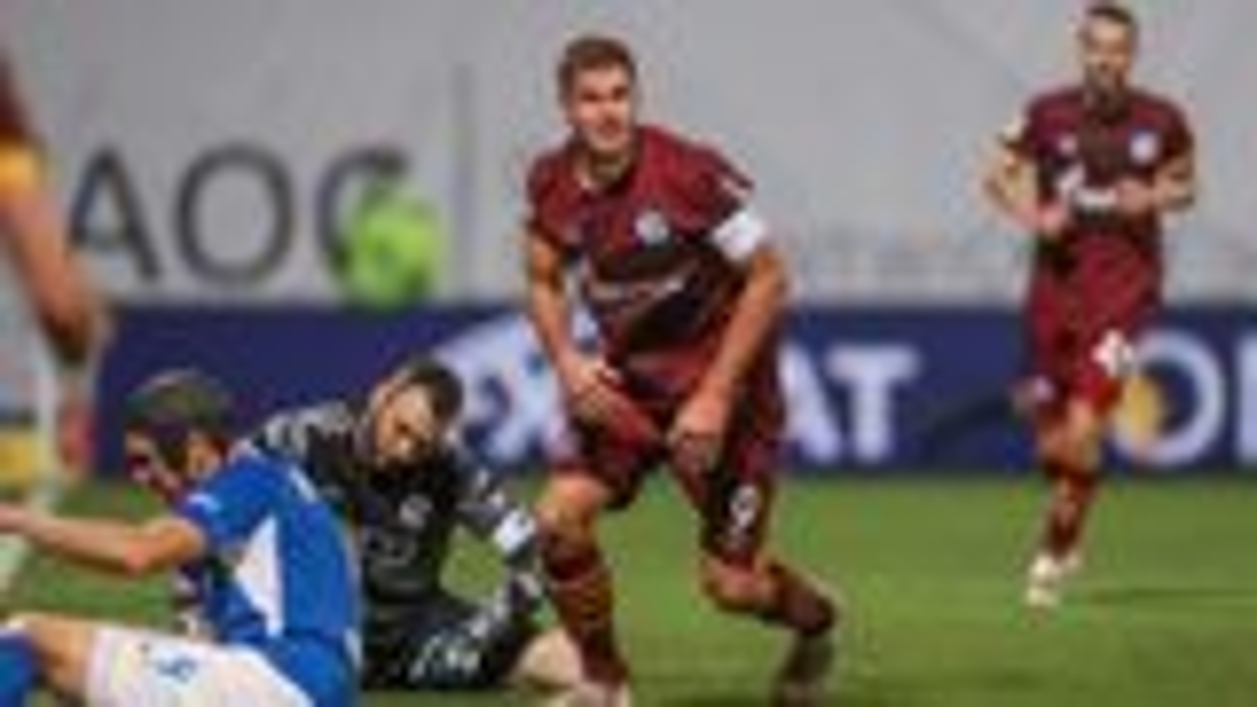 Dank Terodde: Schalke gewinnt in Rostock mit 2:0