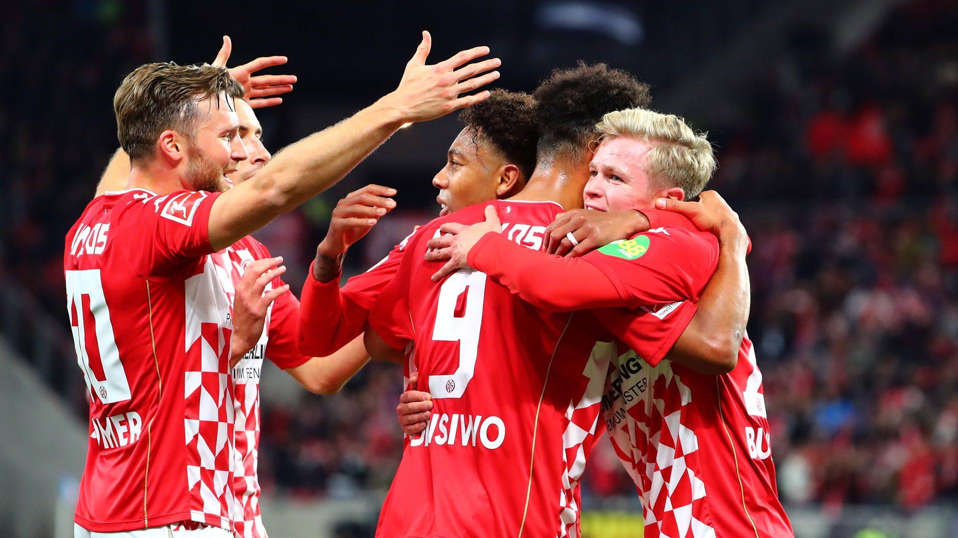 Burkardt stars as Mainz down Augsburg