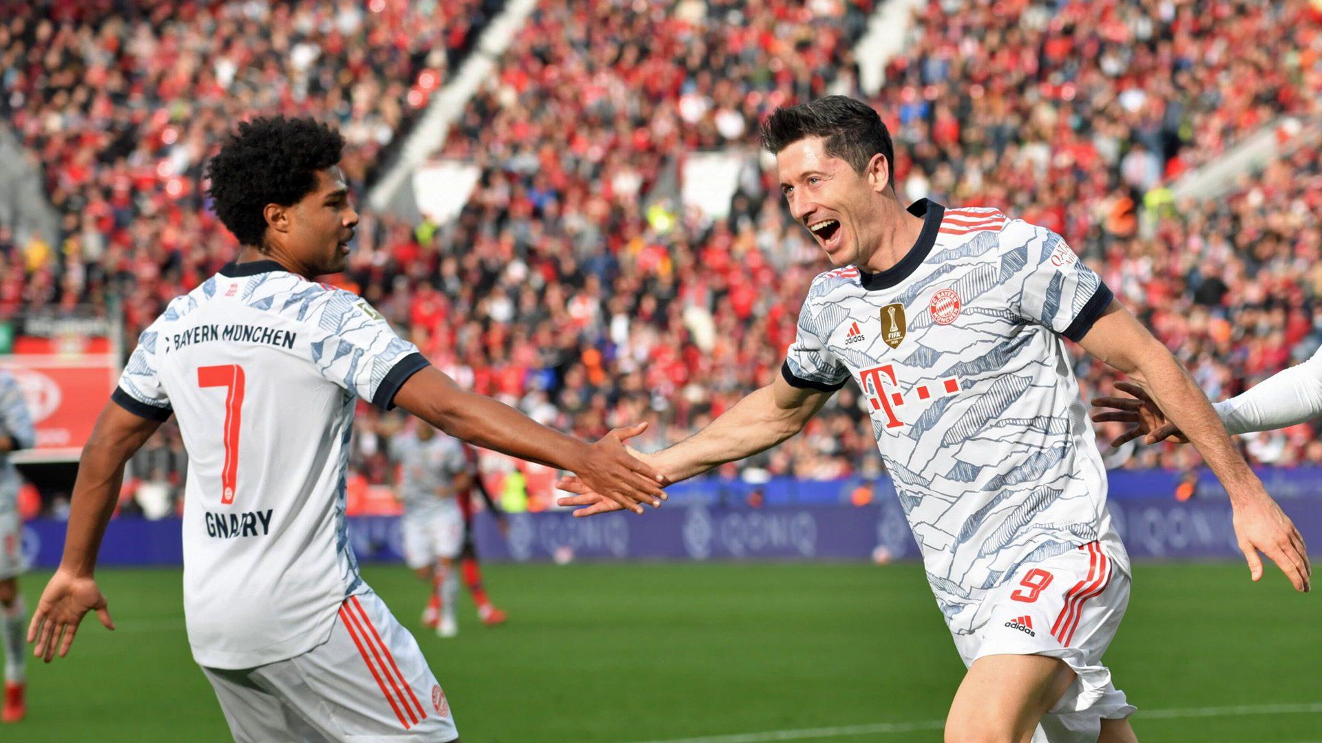 Lewandowski and Gnabry double up in big Bayern win