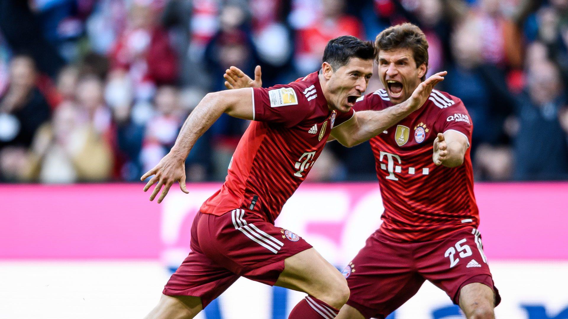Lewandowski strikes again for rampant Bayern